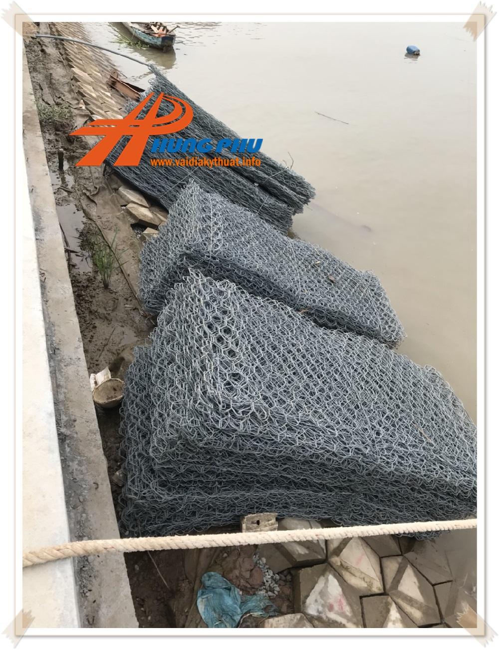 Thảm đá Hưng Phú